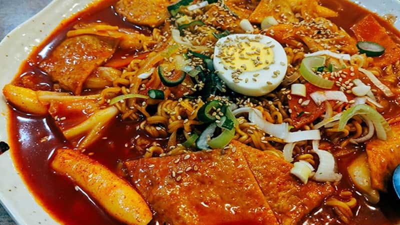 日本橋駅周辺で本格的な韓国料理が味わえる店7選