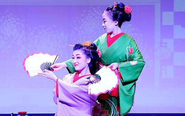日本の歌劇の世界を体験「REVUE JAPAN ~ GEISHA & SAMURAI」