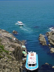 Tojinbo sightseeing boat