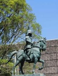 Statue of Kazutoyo Yamauchi